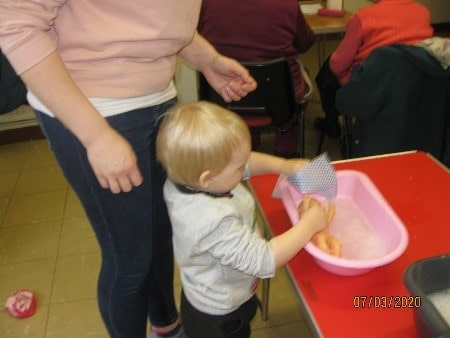 messy-church-toddler